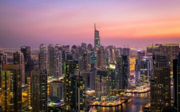 How to get a job in Dubai - 6 easy steps to land the job fast