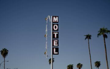 How much does it cost to live in a motel?