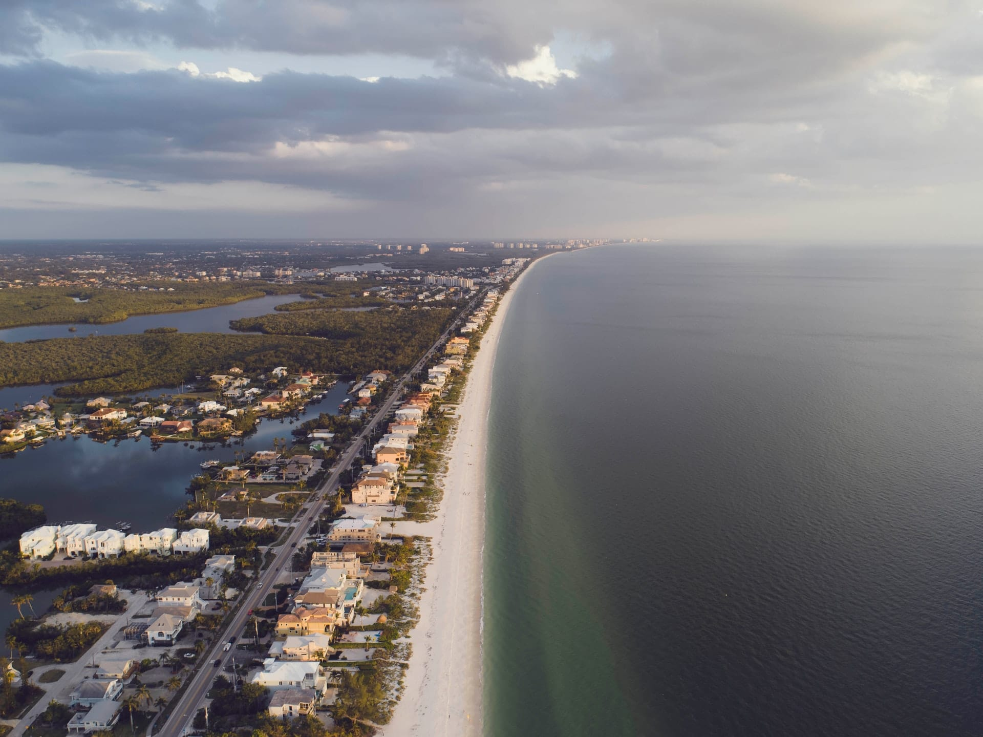 Living in South Florida - What is it like - Pros and Cons