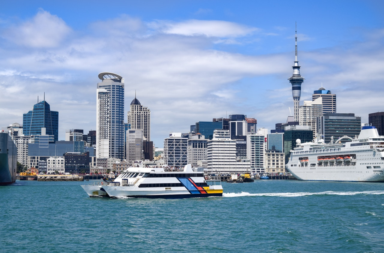 Auckland vs. Queenstown: Which one should you visit?