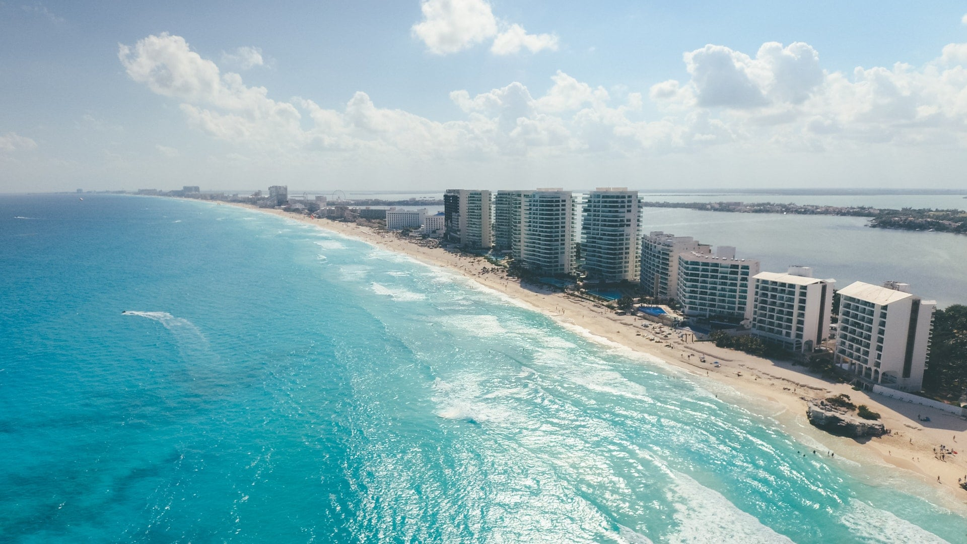 Cancun vs Hawaii - Which is better for vacation? Why?