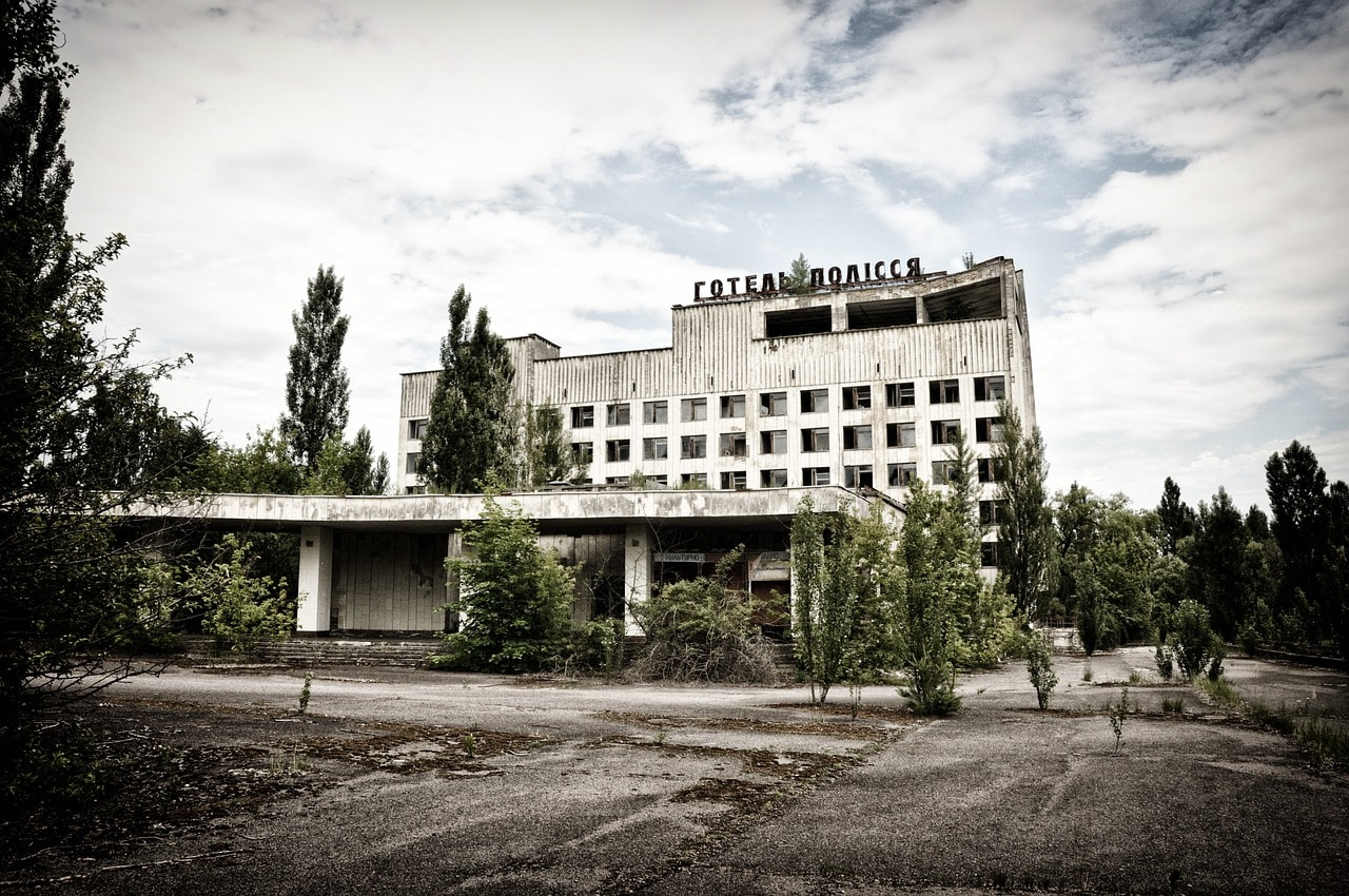 How long can you stay in Chernobyl without dying?