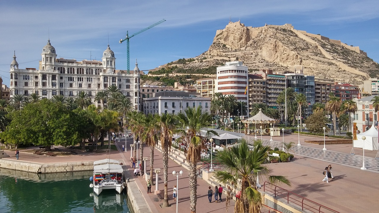 Alicante or Valencia: What is the difference really?