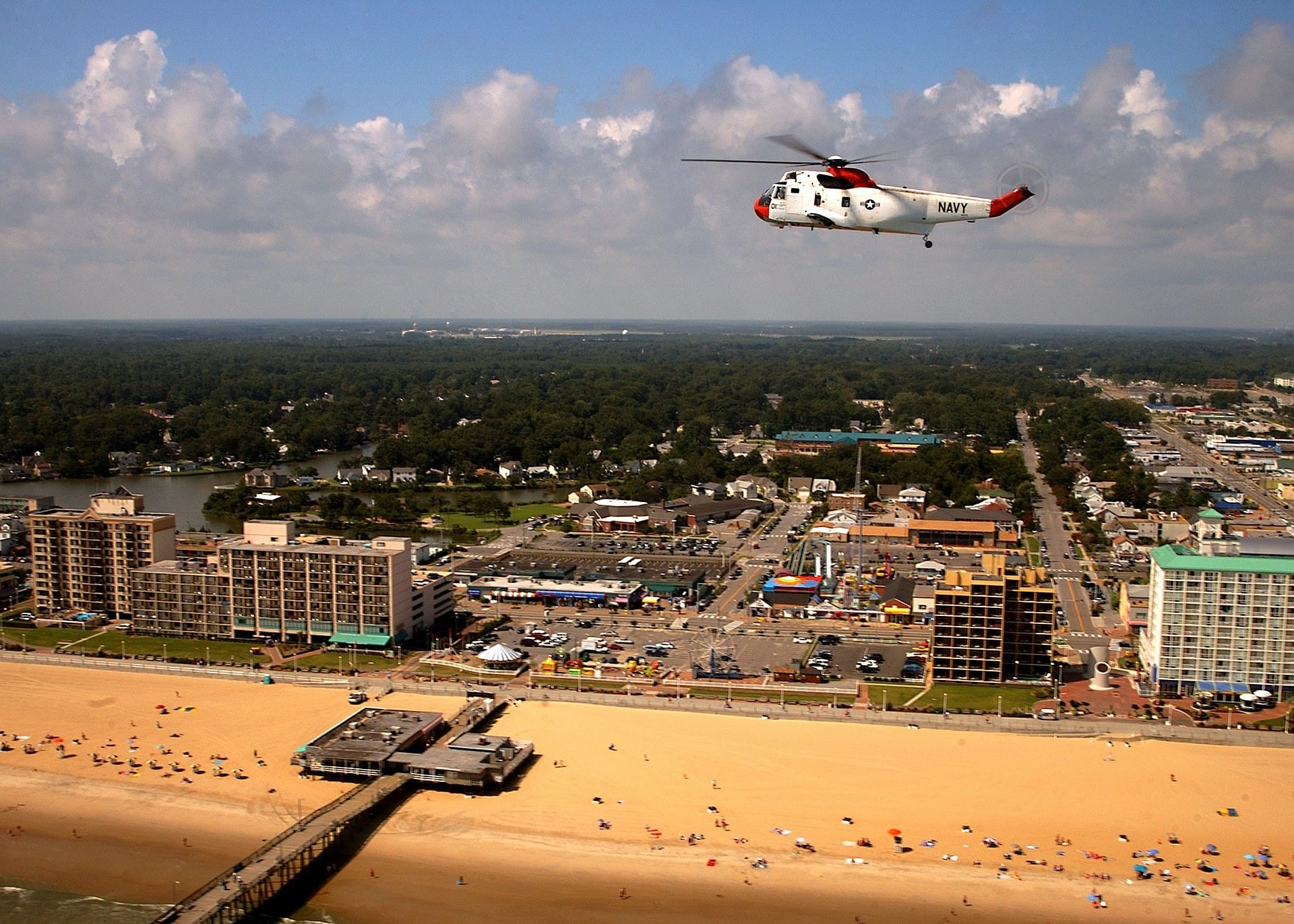 Living in Virginia Beach - What is it like - Pros and Cons